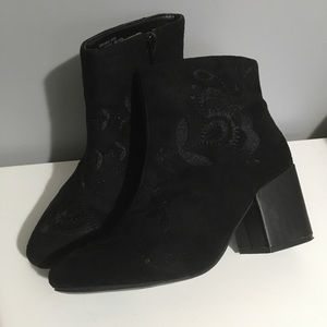 Addition Elle faux suede booties